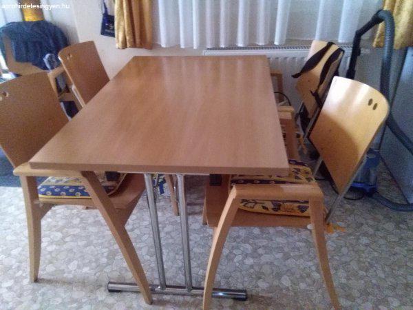 """Jó áron eladó, összecsukható asztal, négy székkel. """"2i - Eladó ..."""