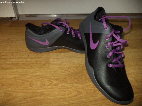 AKCIÓ!Eladó 1 db ÚJ Nike Studio Trainer női cipő! - Eladó Új ... adb880b04d