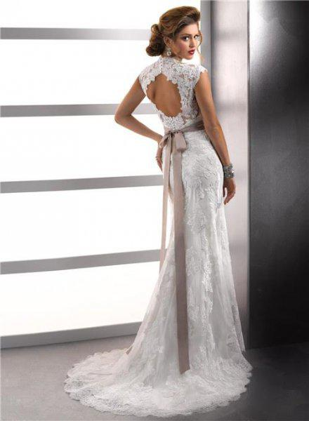 48647ae105 Különleges hátmegoldású designer menyasszonyi ruha - Eladó Új ...