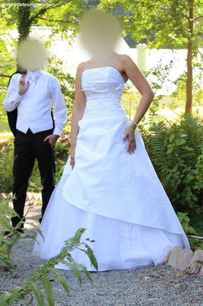menyasszonyi ruha - Eladó Használt - Pécs - Apróhirdetés Ingyen be2d2eb704