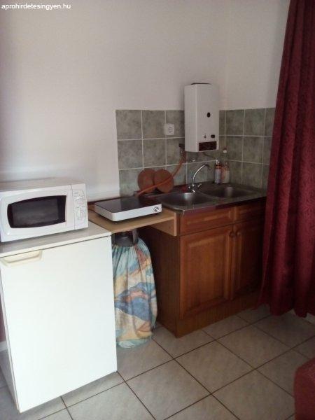 2+szem%E9lyes+Mini+Apartman+Balatonlell%E9n