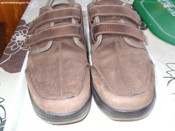Márkás férfi cipő 44-es méret - Eladó Használt - Délegyháza ... c6cc5e911f
