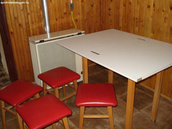 Eladó egy konyha asztal négy darab székkel - Eladó Használt - Jenő ...