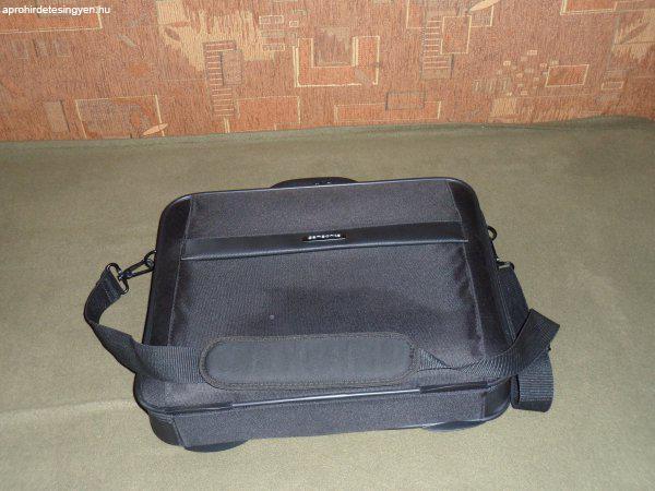 Samsonite laptop táska - Eladó Használt - Győr - Apróhirdetés Ingyen c5fdd1d581