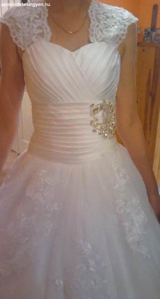 8715e27ff9 Eladó fehér csipkés menyasszonyi ruha - Eladó Használt - Debrecen ...