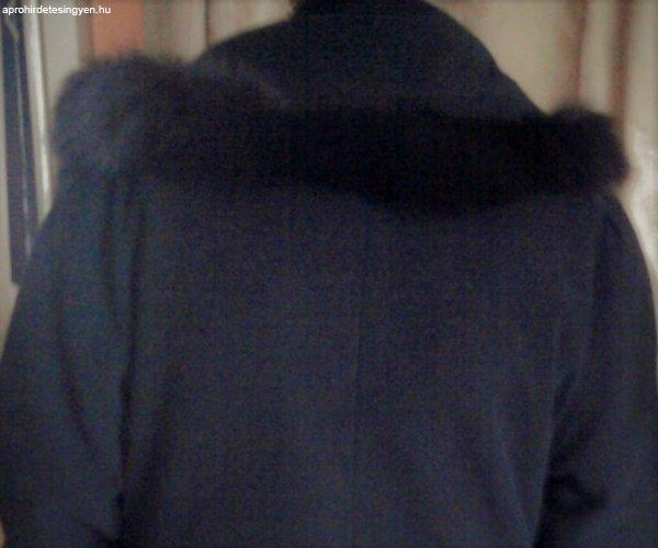 5857b4c6b2 Hosszú Nőí Kashmere kabát áronalul eladó. - Eladó Használt - Páty ...