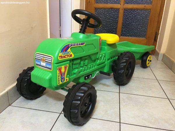 %DAj+nagym%E9ret%FB+ped%E1los+gyermek+gyerek+traktor+ut%E1nfut%F3val.