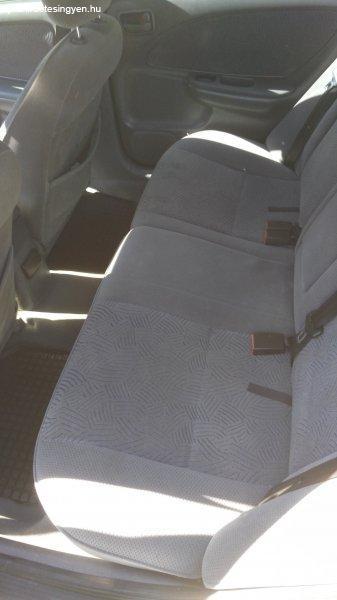 Toyota+Avensis+Linea+Sol+2.0