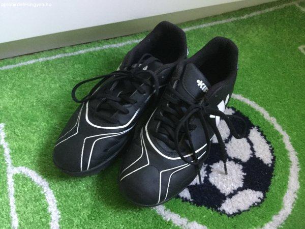 d6a12ab71f Kipsta műfüves focicipő,futball cipő,35ös méret - Eladó Használt ...