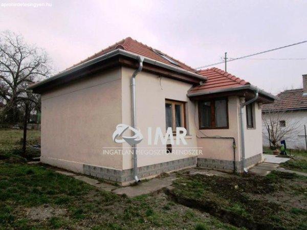 Elad%F3+36+nm-es+Csal%E1di+h%E1z+Budapest+XVII.+ker%FClet+R%E1koskert+