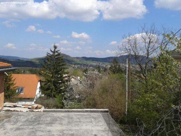 Elad%F3+557+nm-es+Szerkezetk%E9sz+Villa%2C+kast%E9ly+Budapest+II.+ke