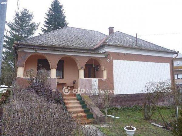 Eladó Ház, Liszó